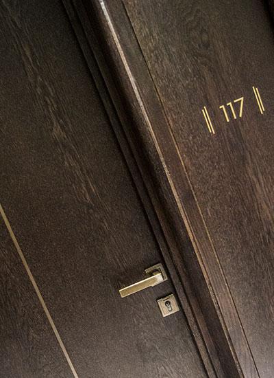 Shadbolt_veneered_acoustic_doors
