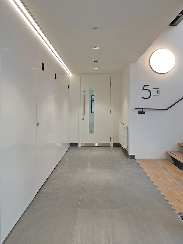 Shadbolt white cubicles supplied to 30 Cleveland Street